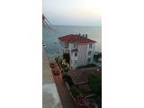 Kumburgaz İncikum sahilde deniz manzaralı dekorlu 3+1 eşyalı daire nakit satılık